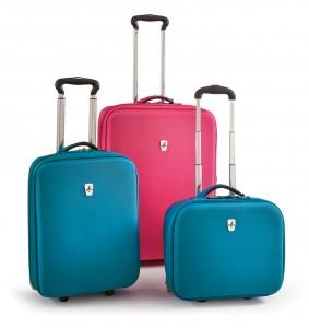 Atlantic Debut spinning luggage