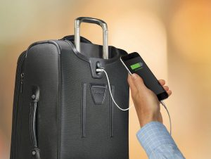 Smart luggage: Travelpro Crew 11 USB Port