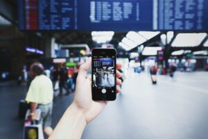 5G can make a major change to business travel and family vacations.