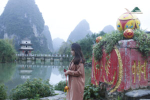 Chinese tourist attractions. When you travel overseas, it's a good idea to pick up some good travel habits.